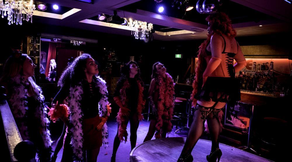 Slide 3: Workshop Burlesque Bedrijfsuitje